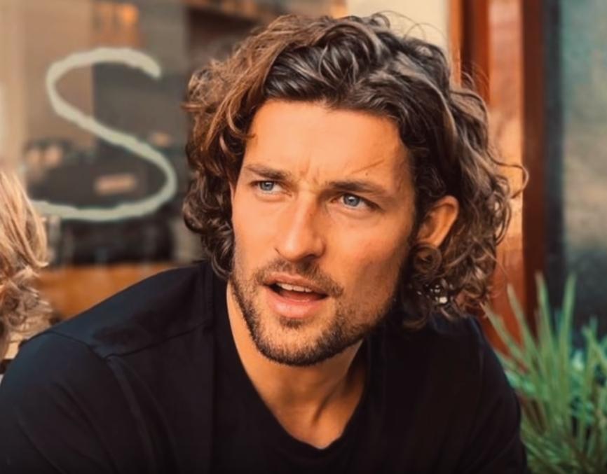 Modne długie fryzury męskie