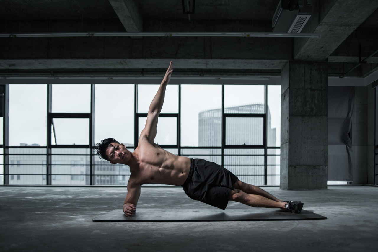 Ćwiczenia na brzuch w domu
