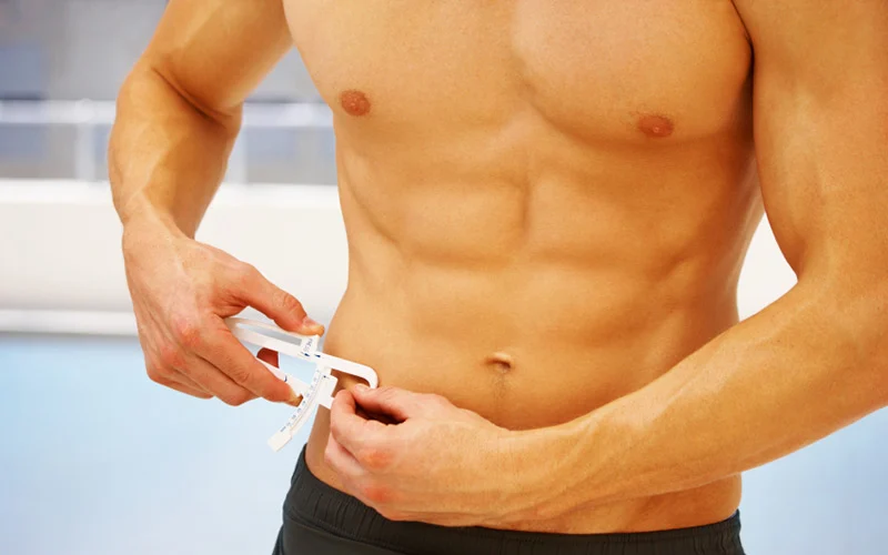Jak obliczyć poziom tkanki tłuszczowej? (kalkulator normy BF)