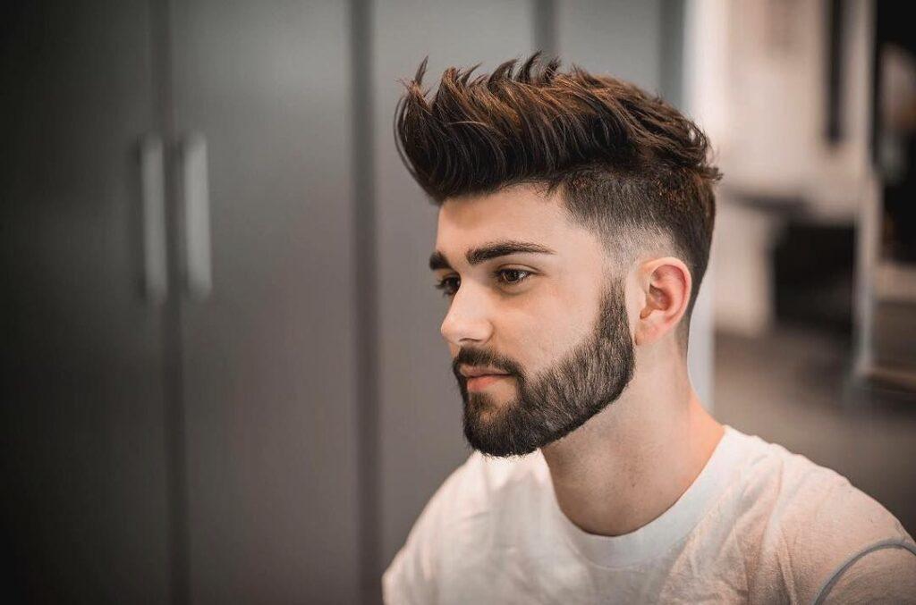 Quiff - co to za fryzura oraz jak i czym ją układać?