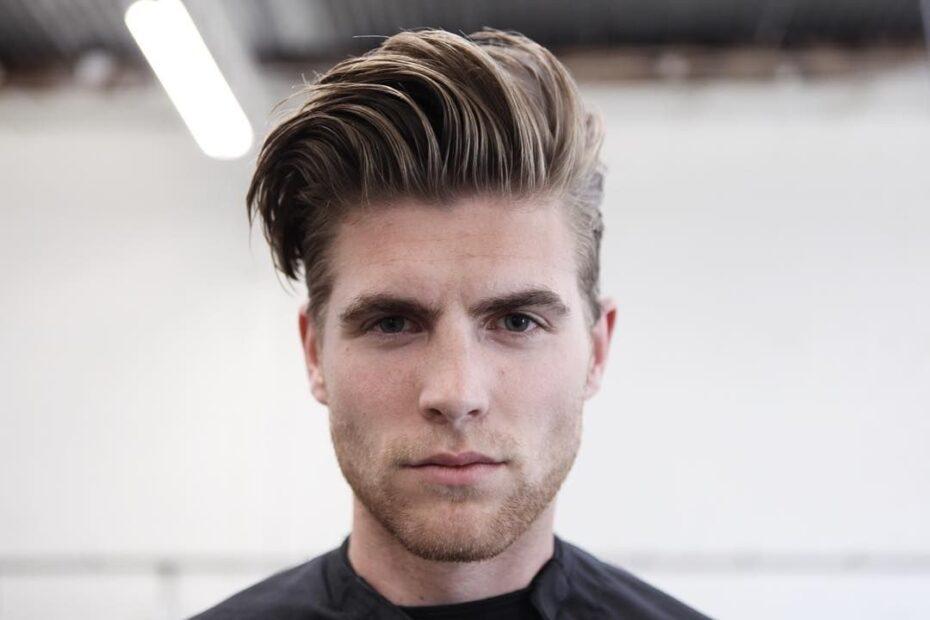 Pompadour - męska fryzura, którą kochają kobiety (poradnik)