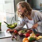 Jakie Efekty da Dieta 900 kcal Dziennie (Kalkulator i Jadłospis)